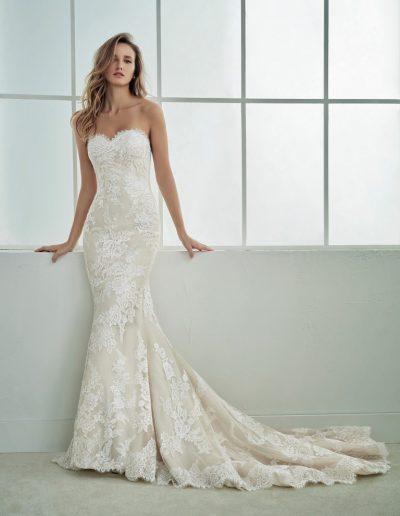 White-One-Famosa-1-xsasa-bruidsmode