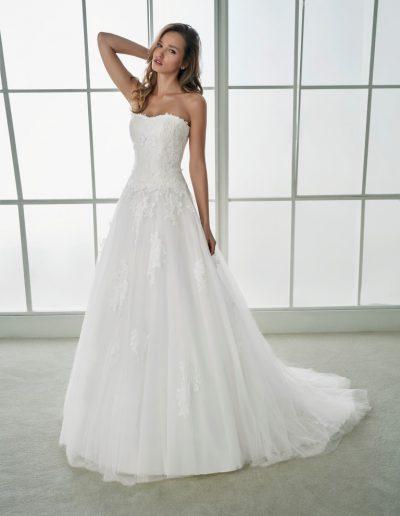 White-One-Felipa-1-xsasa-bruidsmode