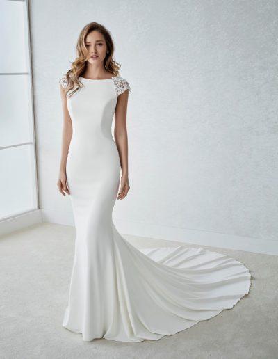 White-One-Fiana-1-xsasa-bruidsmode