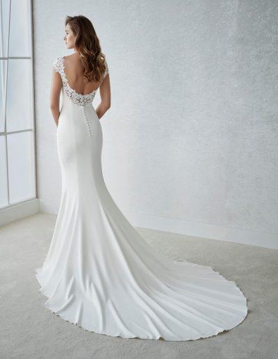 White-One-Fiana-2-xsasa-bruidsmode
