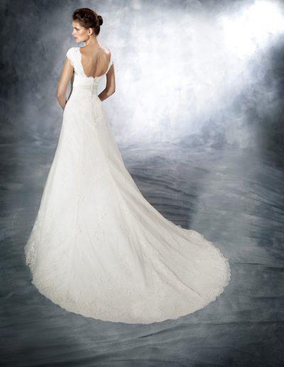 White-One-Jaleb-2-xsasa-bruidsmode