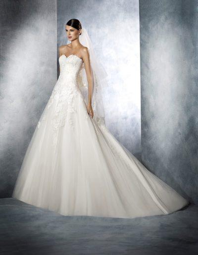 White-One-Jasmine-1-xsasa-bruidsmode