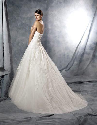 white-One-Jasmine-2-xsasa-bruidsmode