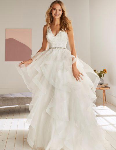 White-One-Olton-1-xsasa-bruidsmode
