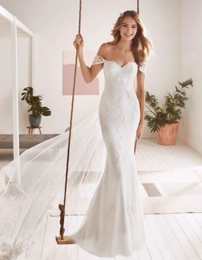 White-One-Olvera-1-xsasa-bruidsmode