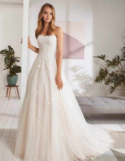 White-One-Ordizia-1-xsasa-bruidsmode