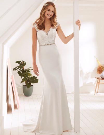White-One-Orson-1-xsasa-bruidsmode