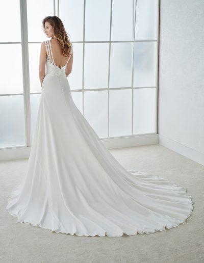 White-One-Fiorela-2-xsasa-bruidsmode