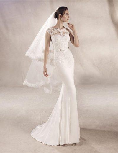 White-One-Yuriana-1-xsasa-bruidsmode