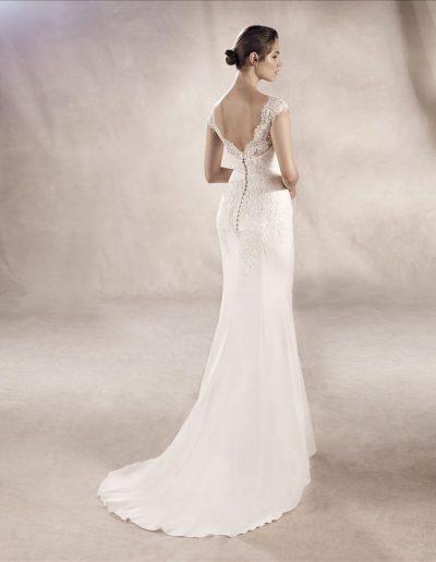 White-One-Yuriana-2-xsasa-bruidsmode